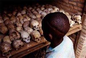 https://muitasbocasnotrombone.files.wordpress.com/2009/11/genocidio-ruanda.jpg?w=300